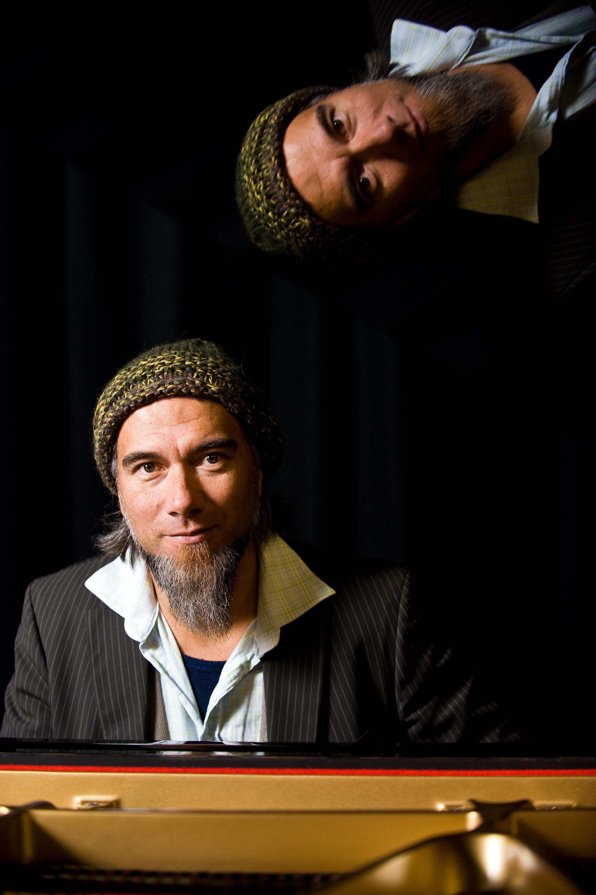 11th May 2009. Warren Maxwell fron The Black Seeds and Little Bushman fame at Massey University Wellington campus.